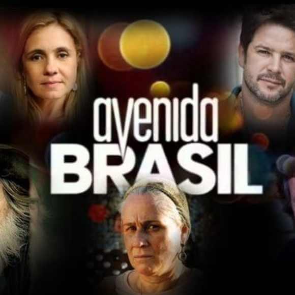 """Novela """"Avenida Brasil"""": Dolores casa com Diógenes e o abandona no dia seguinte"""